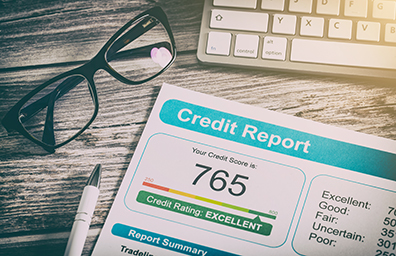credit scores and reading glasses